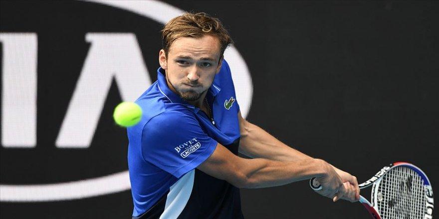 Daniil Medvedev Fransa Açık'a ilk turda veda etti