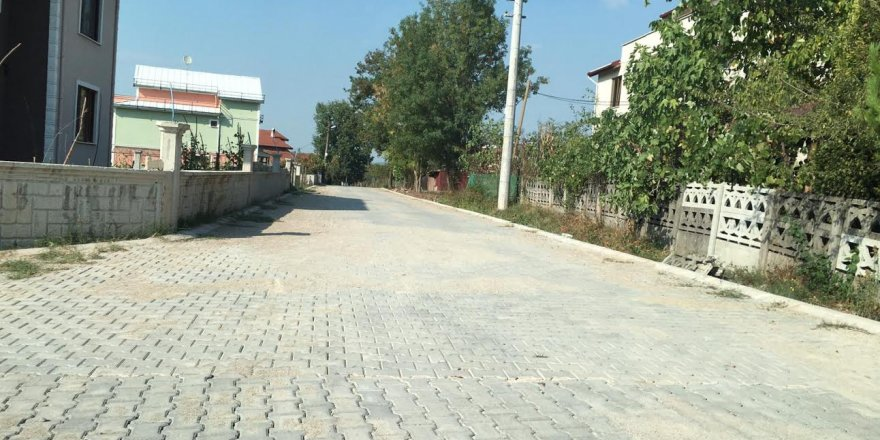 Sokak cadde iyileştirilmeye devam ediyor