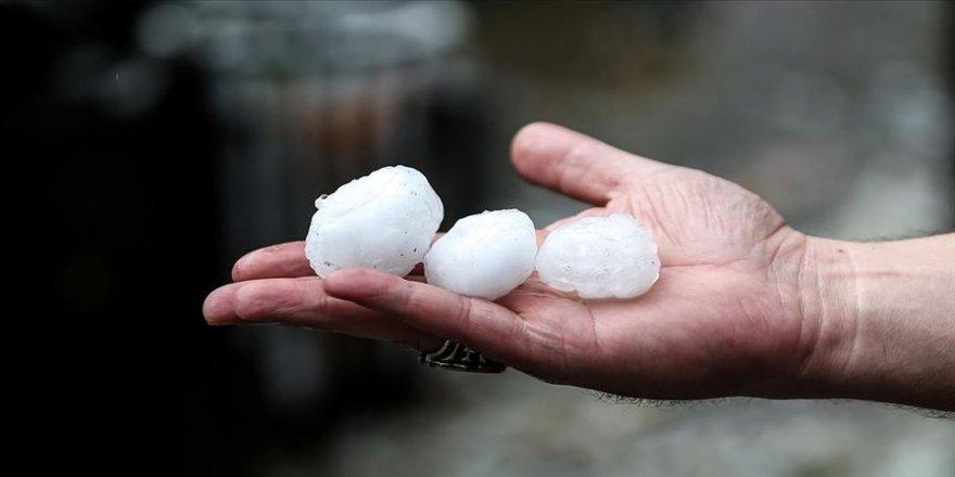 İstanbul'da yağış ve dolu akşama kadar etkili olacak