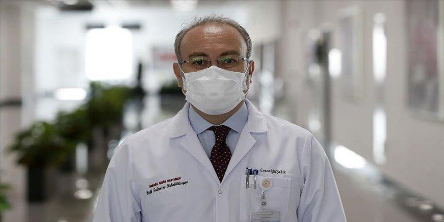 Kovid-19'u ağır atlatan Prof. Dr. Yaşar'dan 'Herkesin başına gelebilir' uyarısı