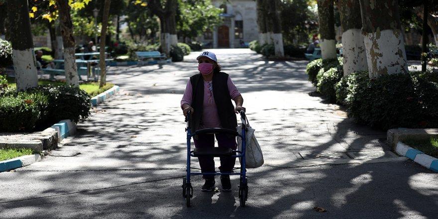 Darülaceze'de kalan yaşlılar vefasızlıktan dertli