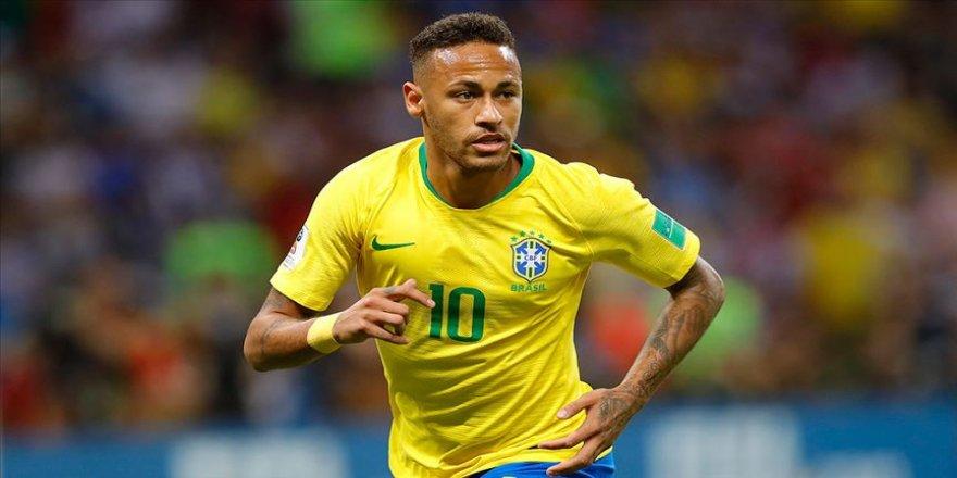 Neymar Brezilya Milli Takımı'nın 2. en skorer futbolcusu oldu