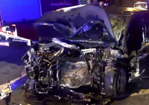 Gebze'dezincirleme trafik kazası ! 1 kişi öldü,4 kişi yaralandı