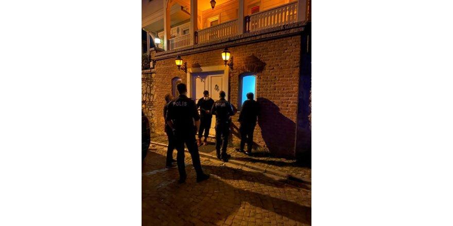 Sosyetenin 11 saatlik ev partisini polis bastı