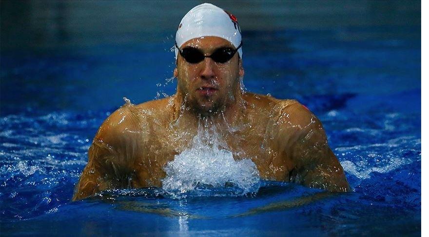 Milli yüzücü Emre Sakçı Budapeşte'de birinci oldu