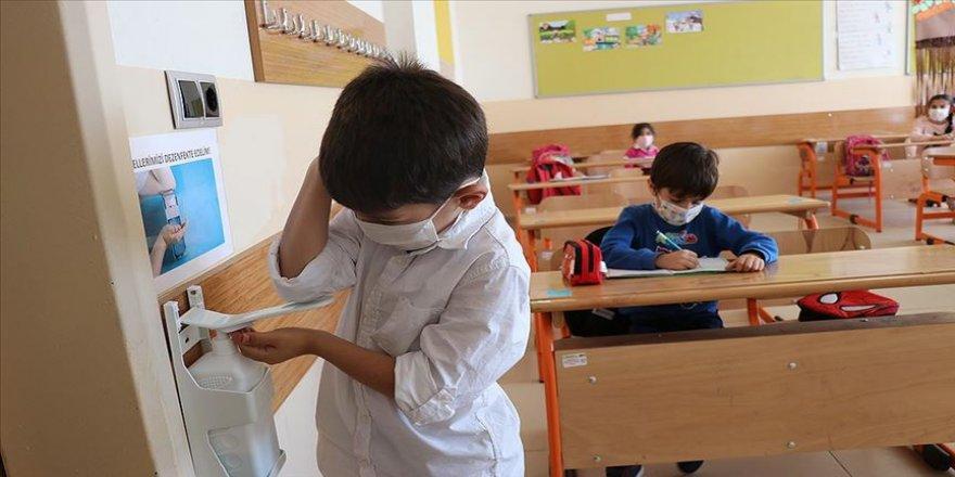 Okul kantinlerinin 19 Ekim'den itibaren açılmasına karar verildi