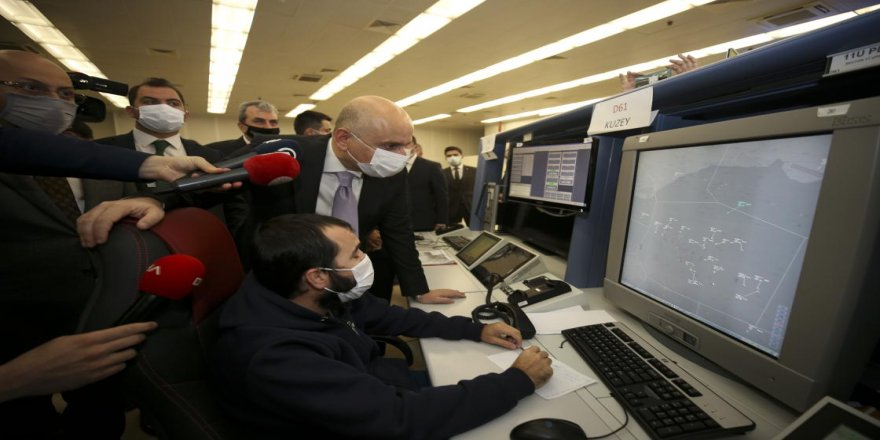 Bakan Karaismailoğlu: Hava kontrolörleri sayesinde yolcularımız emniyetli bir şekilde seyahat etmekte