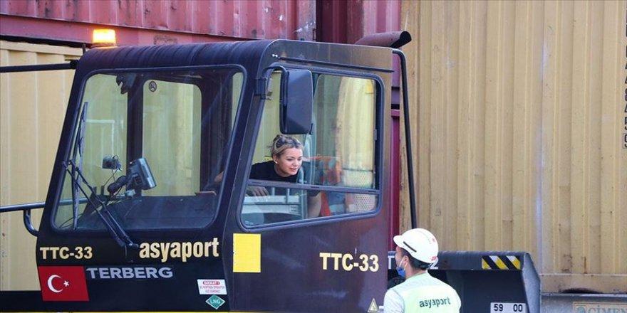Tekirdağlı TTC operatörü Elif Çevik 'dünyanın yükünü' taşıyor