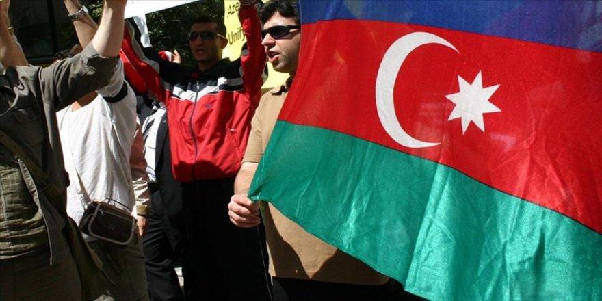 Uzmanlara göre Tahran'ın Ermenistan'a desteği İran'daki Türklerin kimliğini ön plana çıkardı