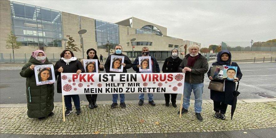 Almanya'da terör örgütü PKK tarafından kaçırılan Nilüfer T'nin annesi Maide T, başkent Berlin'de yaklaşık 10 aydır sürdürdüğü eylemine devam etti. Cüneyt Karadağ   |