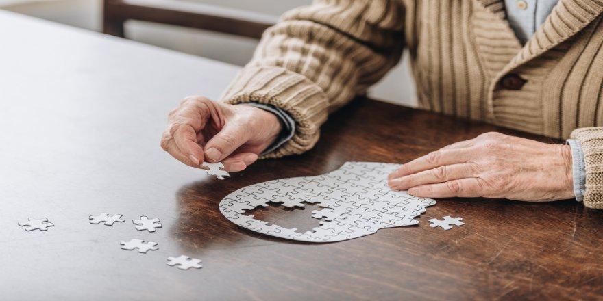 Alzheimer Hastalığı Yaşlanmanın Doğal Bir Sonucu Değil !