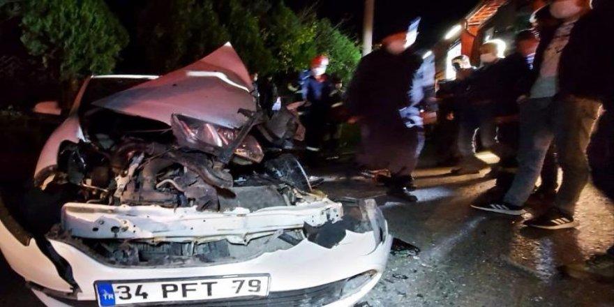 Gebze'de araç ile tır çarpıştı ! Bir kişi yaralandı