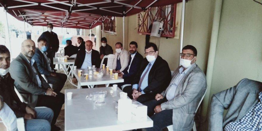 Gelecek Partisi kurmayları Darıca'da esnafı dinledi