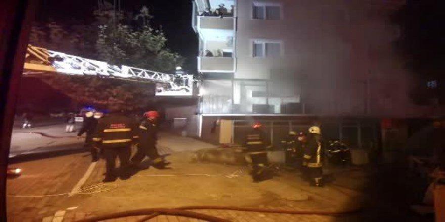 Gebze'de mobilya atölyesinde yangın çıktı