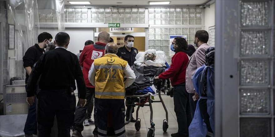 Yemen'de silahlı saldırıya uğrayan Türk Kızılay yetkilisi ambulans uçakla Türkiye'ye getirildi