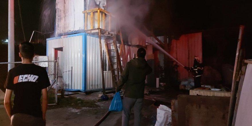 Gebze'de işçilerin kaldığı konteynerde yangın çıktı !