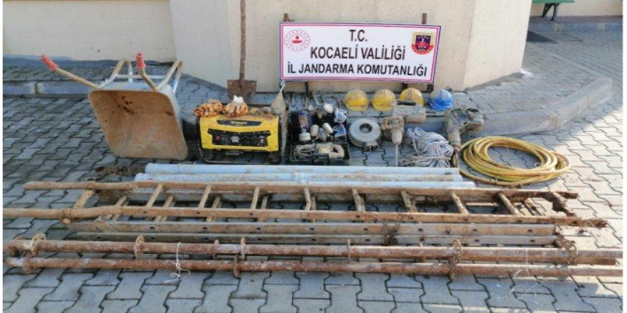Dilovası'nda izinsiz kazı yapan şahıslar yakalandı