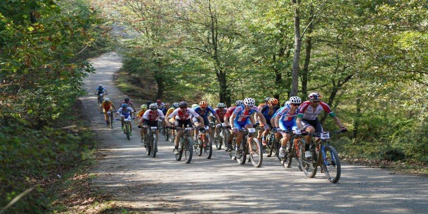 Bisikletin Yıldızları Sakarya'da Şampiyona Başladı