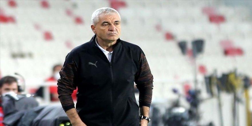 Demir Grup Sivasspor Teknik Direktörü Rıza Çalımbay: Maçın hakemiyle ilgili bir sürü şey yaşadık
