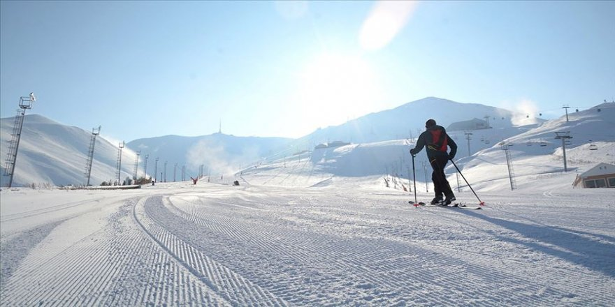 Rus turist kafileleri yıllar sonra Palandöken'de kayak keyfi yaşayacak
