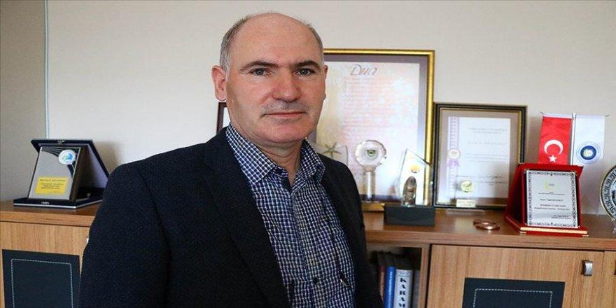 Kovid-19'u atlatan Prof. Dr. Konukcu: Geceleri kan ter içerisinde kalkıyorsunuz