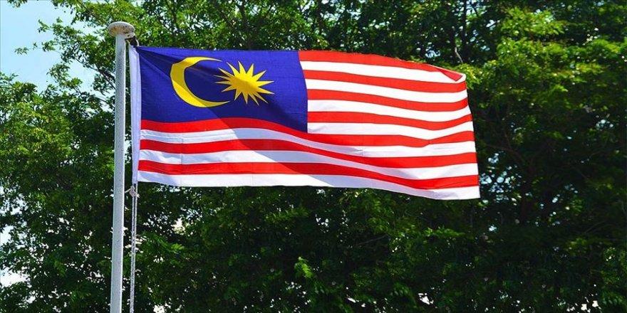Malezya Macron'un İslam karşıtı politikalarını kınadı