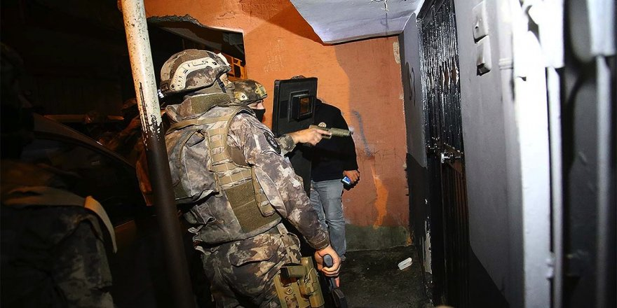 Adana merkezli uyuşturucu operasyonu: 10 gözaltı