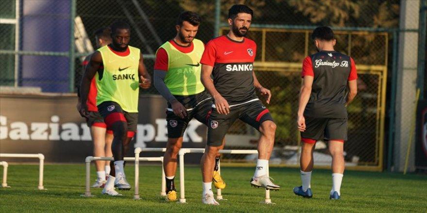 Gaziantep FK ligi ilk 10'da bitirmeyi hedefliyor