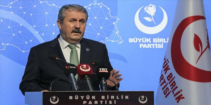 BBP Genel Başkanı Destici: Herkesi İslam'ın kutsallarına hakaretten uzak durmaya davet ediyorum