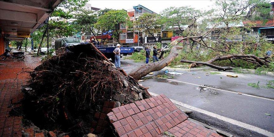 Vietnam'daki Malove tayfununda ölenlerin sayısı 13'e yükseldi