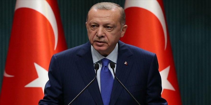 Erdoğan: Zaferlerle dolu şanlı mazimizden cesaret alarak birlik beraberlik ve kardeşlik içinde yürümeye devam edeceğiz