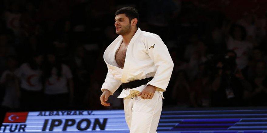 Judoda Macaristan'da kazanılan 2 altın madalya moralleri yükseltti