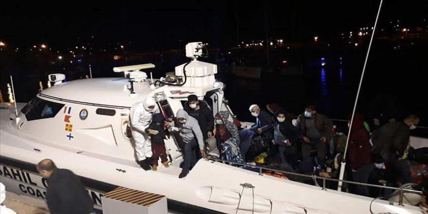 İzmir'de Türk kara sularına geri itilen 36 yabancı uyruklu kurtarıldı