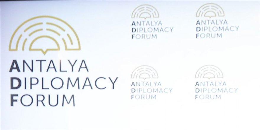 Antalya Diplomasi Forumundan '120 Saniye' video podcast projesi