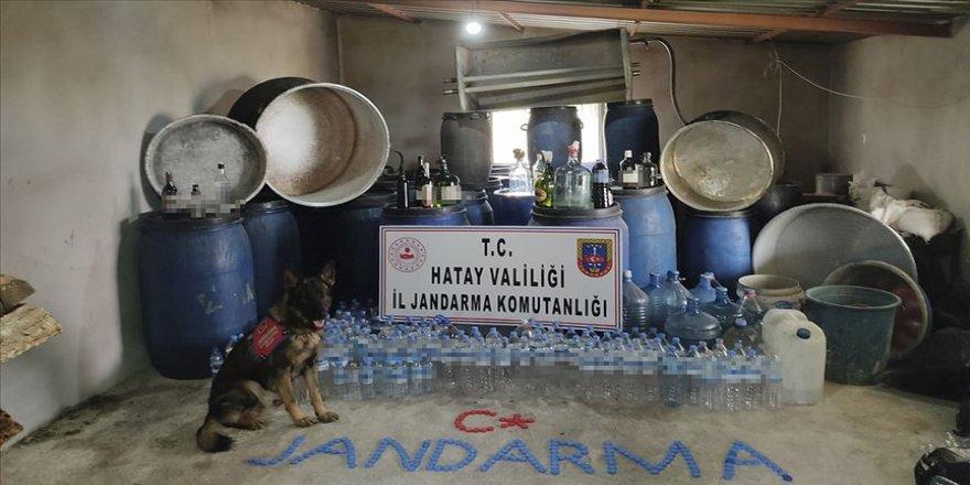 Hatay'da 2 bin 730 litre sahte içki ele geçirildi
