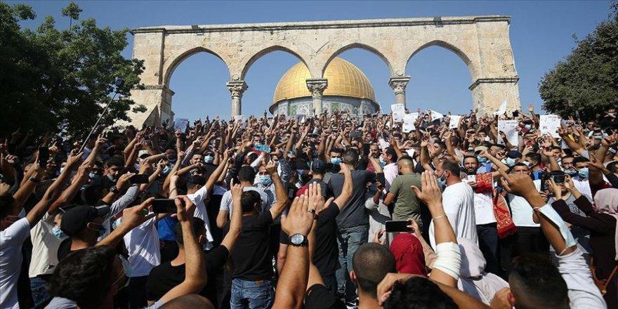Macron'un İslam karşıtı tutumu Mescid-i Aksa'da protesto edildi