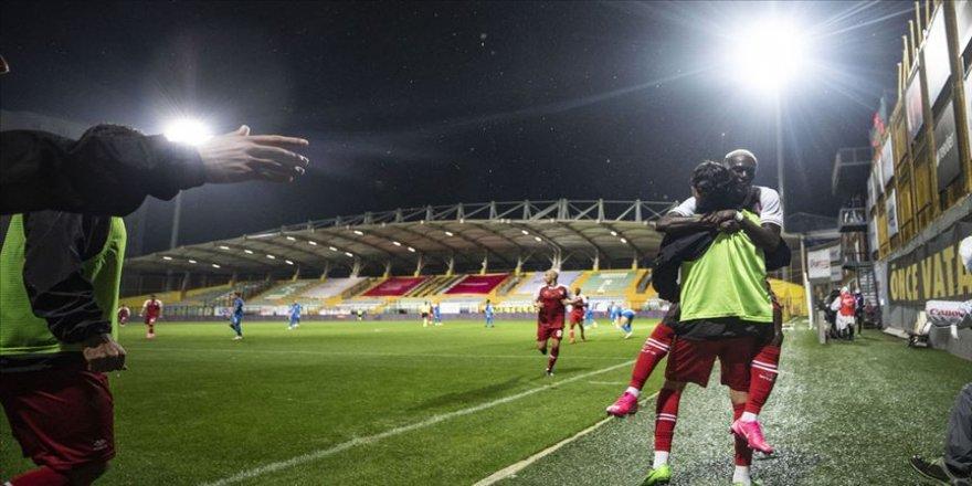 Fatih Karagümrük, Erzurumspor'u 5 golle geçti
