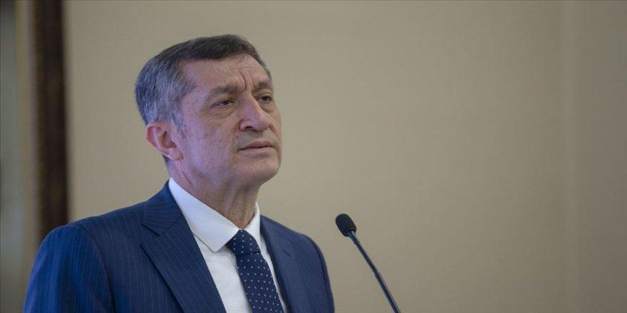 Milli Eğitim Bakanı Selçuk: (İzmir'deki deprem) Okullarımızla ilgili sıkıntılı bir durum bulunmuyor