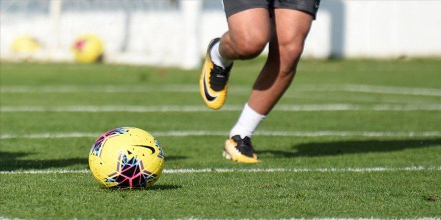 İzmir'deki deprem nedeniyle 4 maç ertelendi
