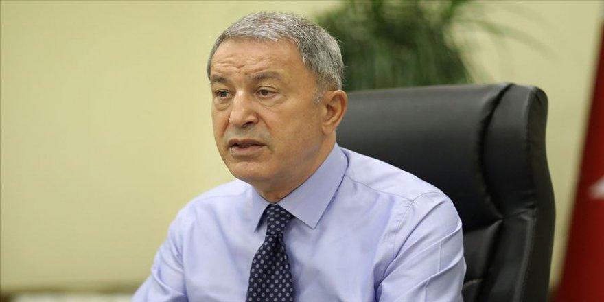 Milli Savunma Bakanı Akar: Devletimiz ve milletimiz el birliğiyle bu felaketin yaralarını hızlıca saracaktır