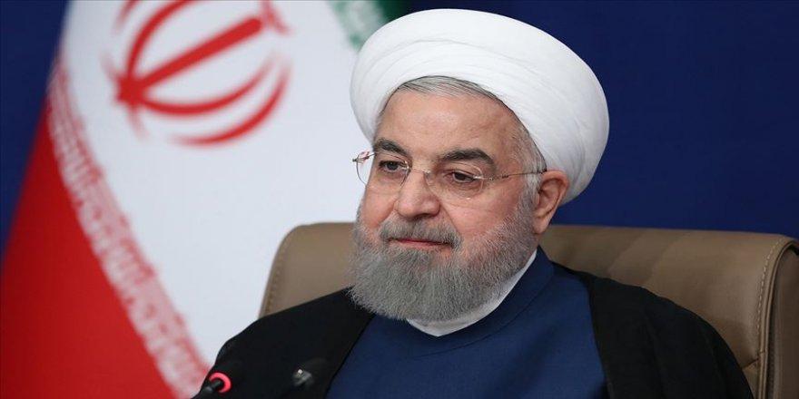 Ruhani: Kardeş Türkiye halkına başsağlığı, kederli aileler için sabır, yaralılar için acil şifalar diliyorum