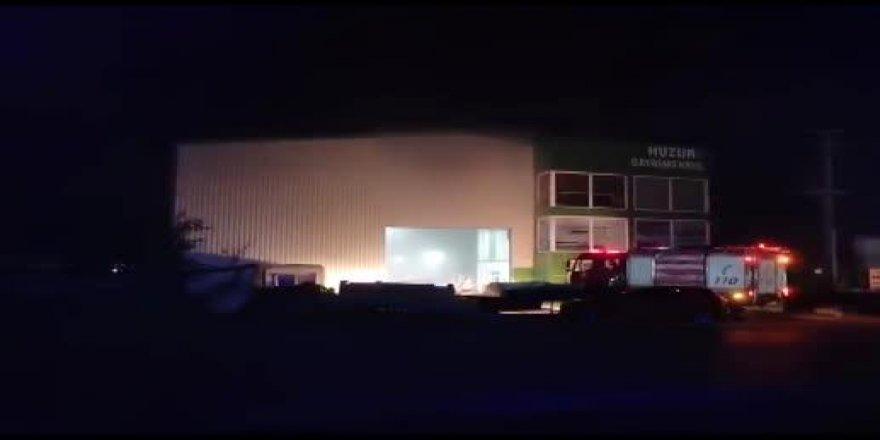 Gebze'de yat üretimi yapan fabrikada yangın çıktı