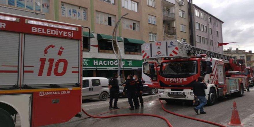 Gebze'de bir restoranda yangın çıktı