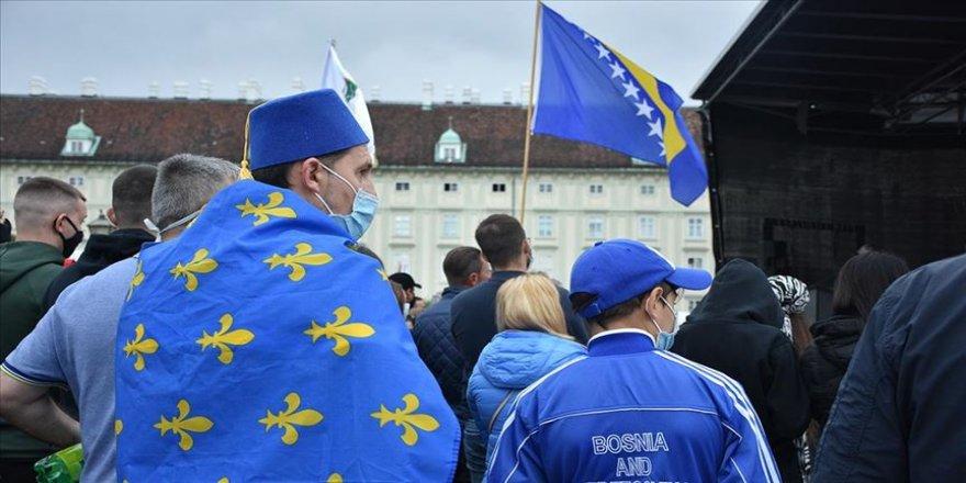 Srebrenitsa'daki seçime 'usulsüzlük iddiaları' damga vurdu