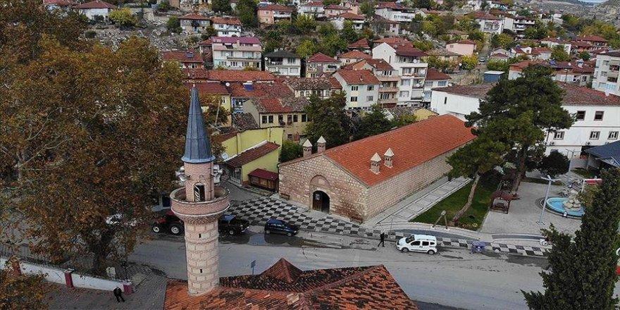 Tarihi İpek Yolu'nda yer alan 'Taşhan' yeniden ticaretin merkezi olacak