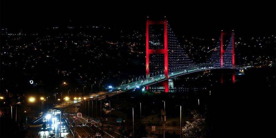 İstanbul'da sokağa çıkma kısıtlamasının ardından hayat normale döndü