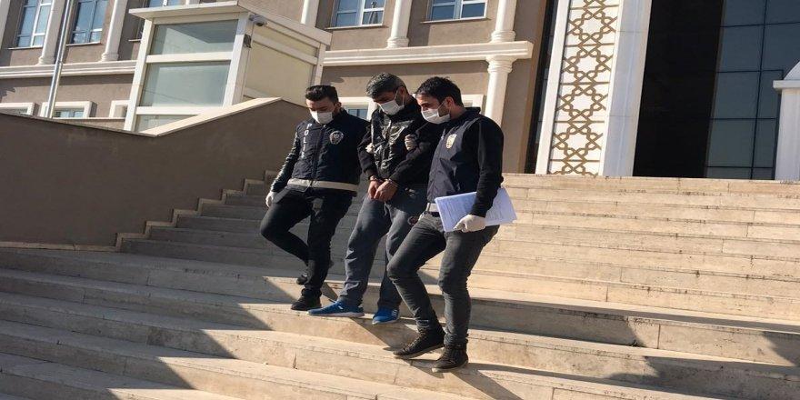 Çayırova'da girdiği evden hırsızlık yapan şahıs yakalandı