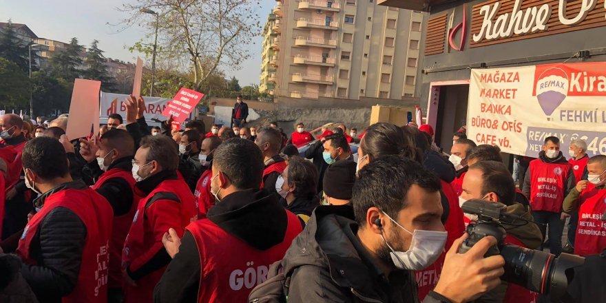 Gebze'de işçilerden oturma eylemi  ! 2 gözaltı
