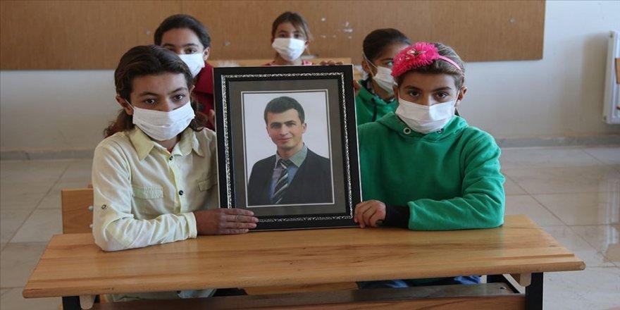 Öğrencileri Şehit öğretmen Necmettin Yılmaz'ı unutmadı
