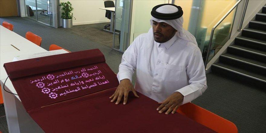 Katarlı bilgisayar mühendisi namaz kılmayı öğreten 'akıllı seccade' tasarladı